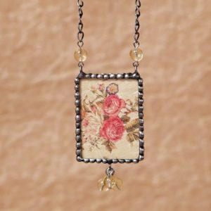cinovany nahrdelnik vintage kvety