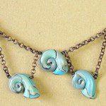 šedomodrý náhrdelník z fima