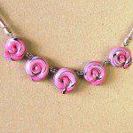 růžový náhrdelník z fima