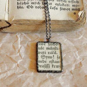 cinovany nahrdelnik vintage text svabach