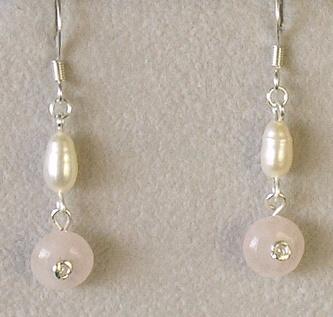 náušnice s růženínem a perlami